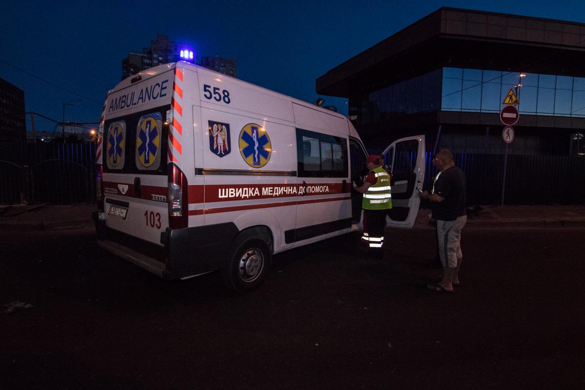 Врачи госпитализировали водителя и пассажира