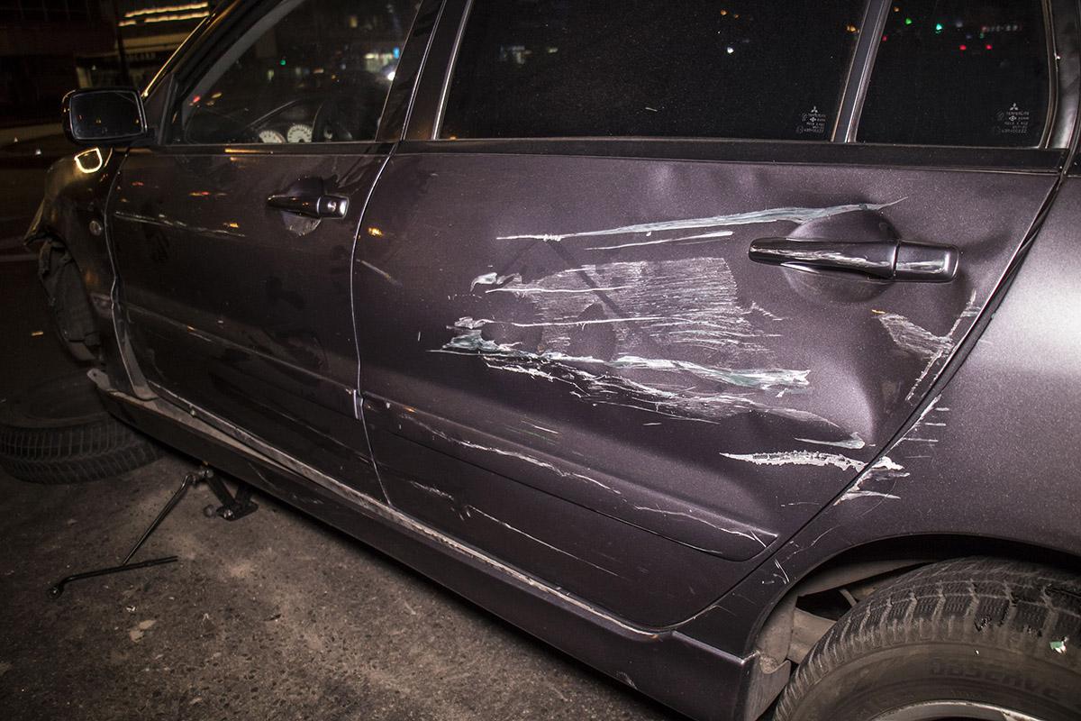 У Mitsubishi внушительная царапина