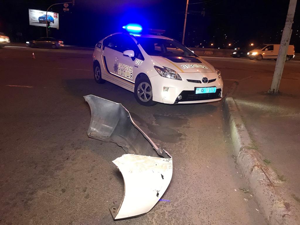 По словам водителяVolkswagen Jetta, он двигался по главной дороге по улице Бальзака в сторону проспекта Степана Бандеры