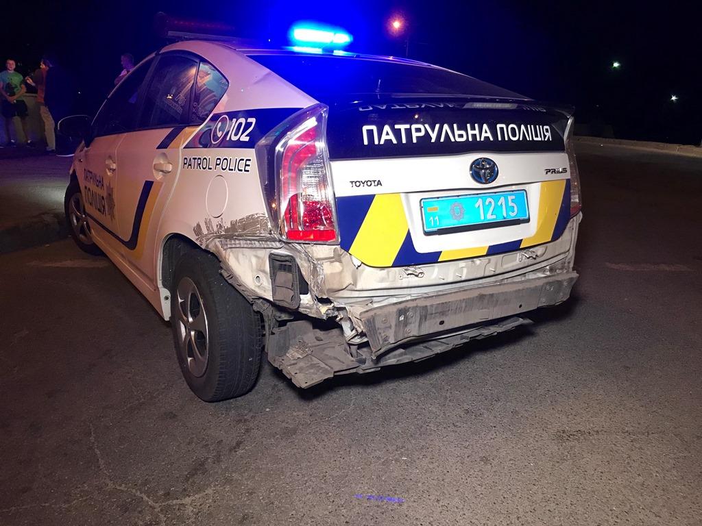 """По улице Теодора Драйзера не сбавляя скорость выехал полицейский Prius, который двигался в сторону кинотеатра """"Флоренция"""""""