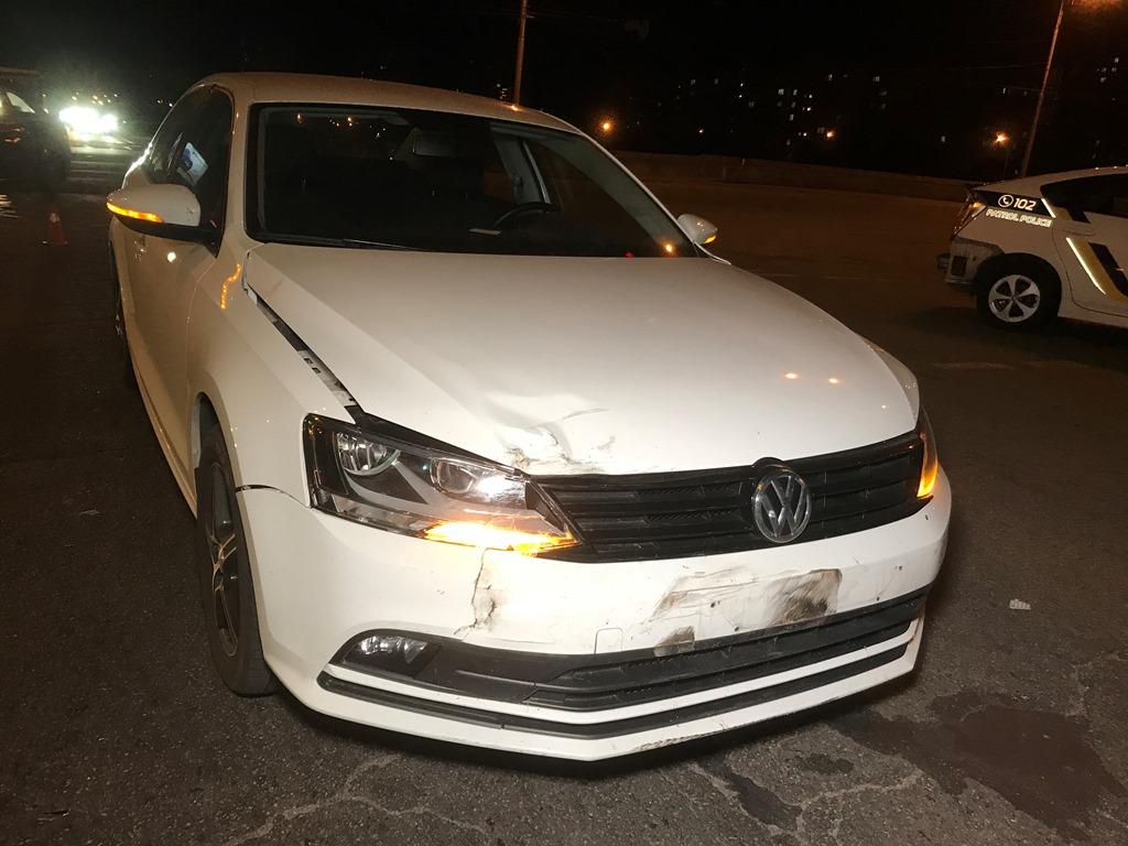 """""""Немец"""" ударил Toyota в заднюю часть автомобиля"""