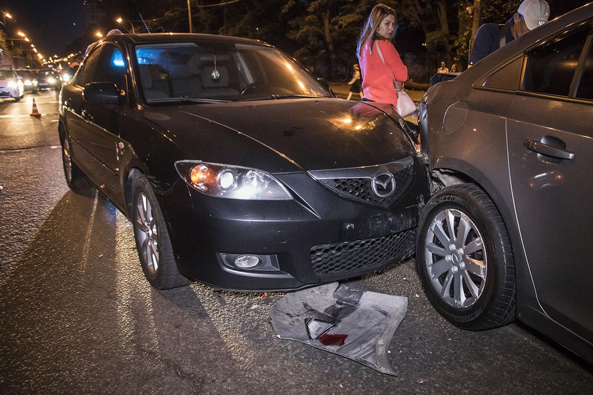 На проспекте Правды столкнулись Mazda3 и Chevrolet Cruze