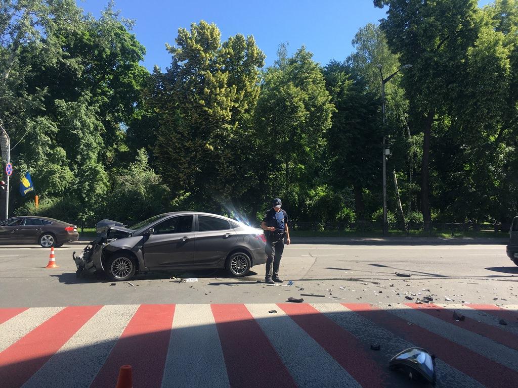 Дорогу не поделили два авто:Kia и Hyundai
