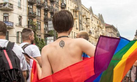 Не хочу быть вместе с ЭТИМИ: реакция соцсетей на ЛГБТ-парад в Киеве