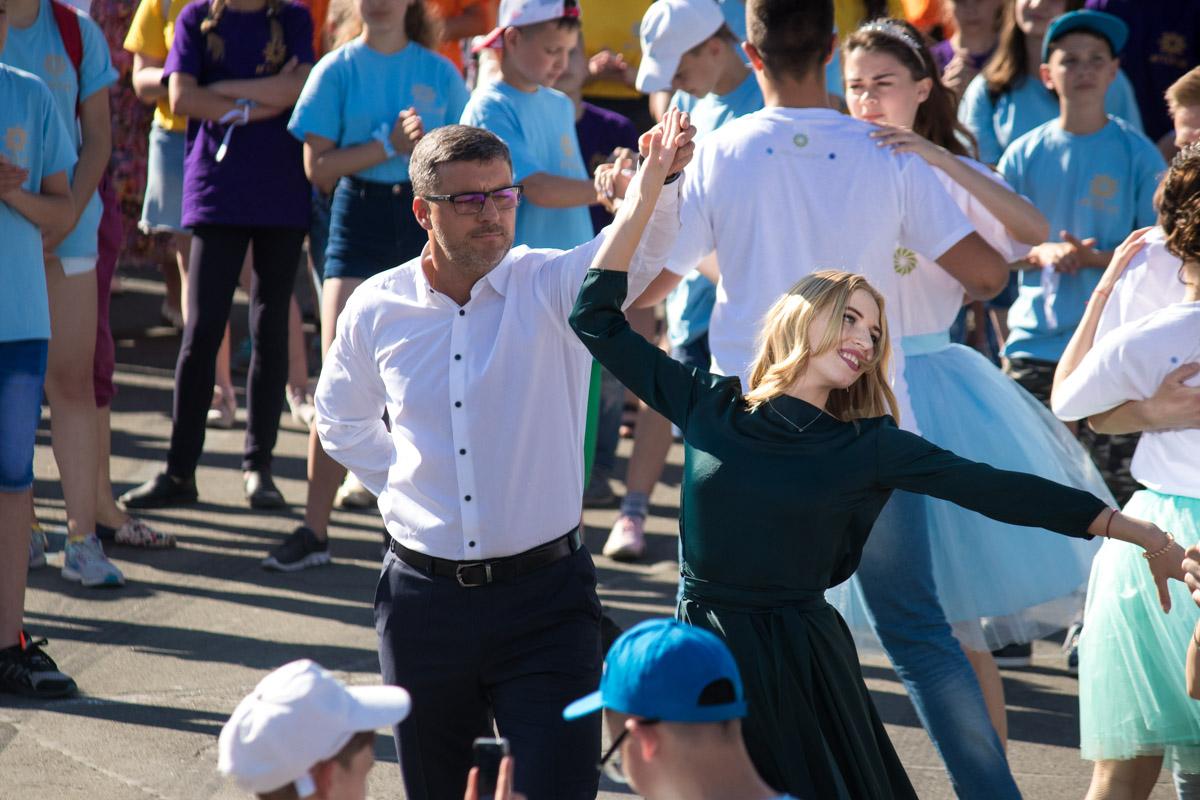 Танцевали и дети, и взрослые