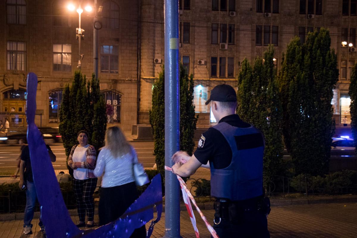 Правоохранители оградили прилегающую к станциям территорию