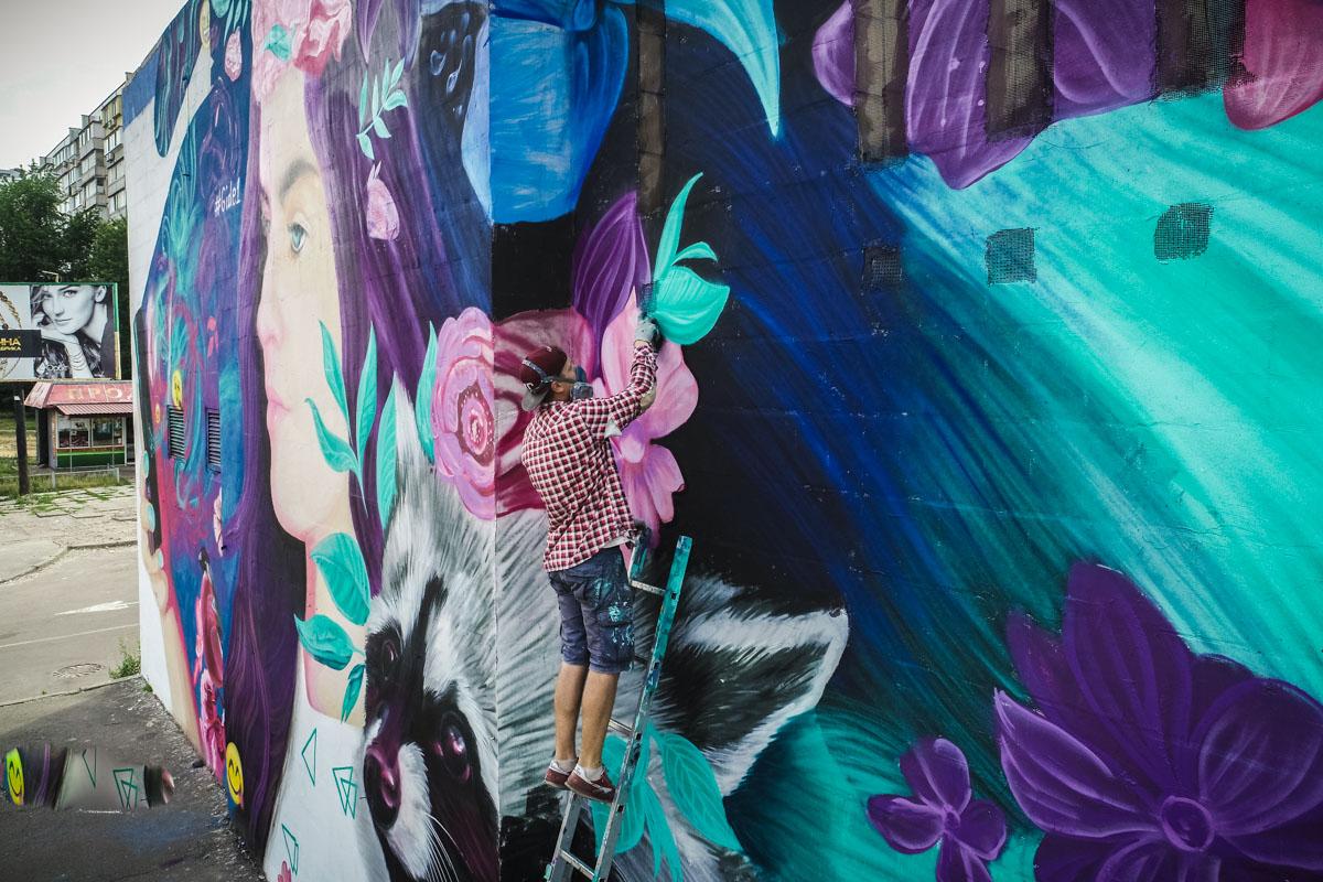 Новое творение уличный художникВиталий Гидеван завершил 27 июня