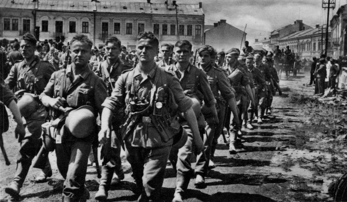 В этот день в 4:00 фашистская Германия нарушила западные границы СССР