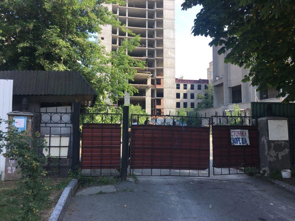 Студент покончил с собой на 21 этаже недостроенного корпуса медуниверситета имени Богомольца