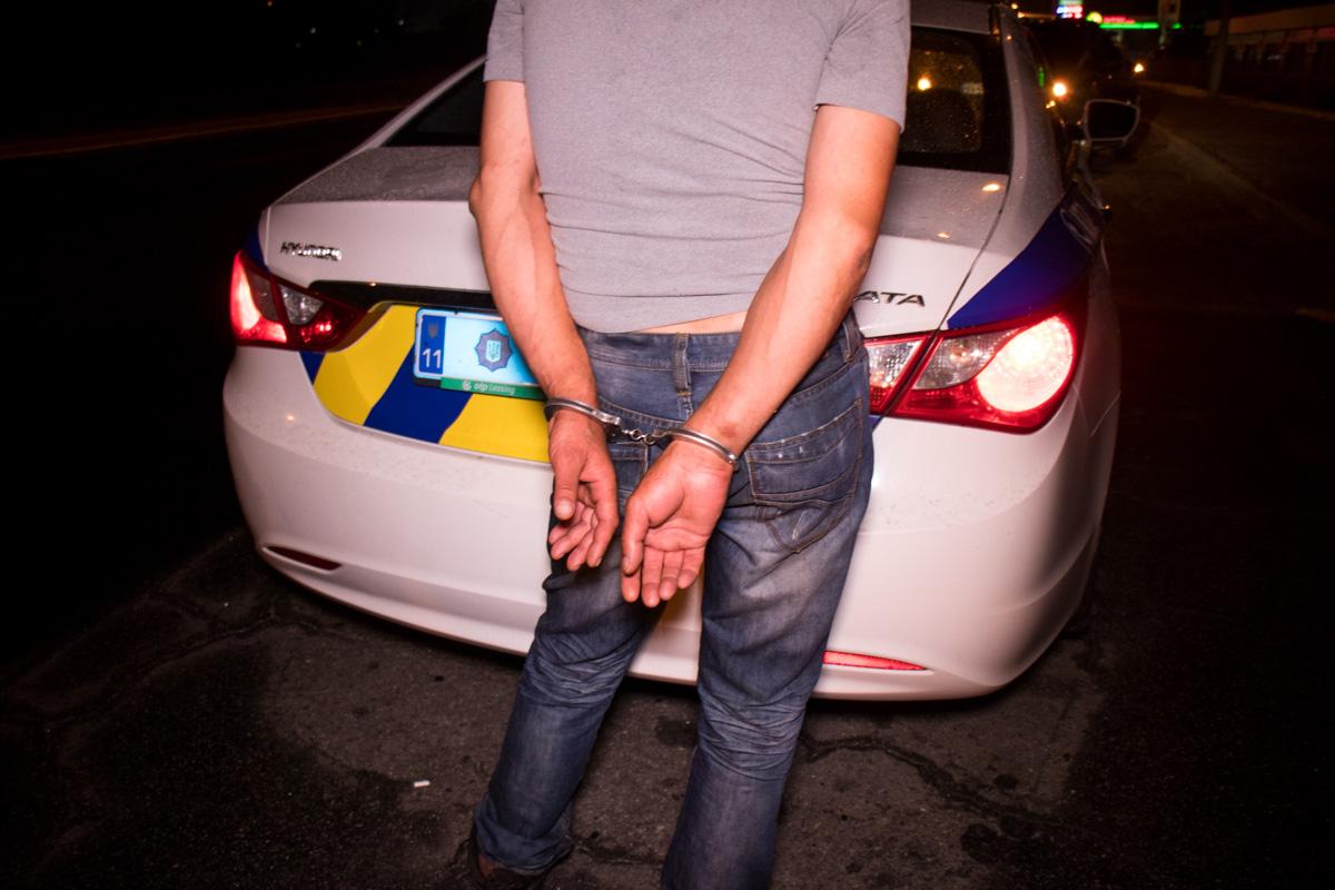 Двоих подозреваемых задержали