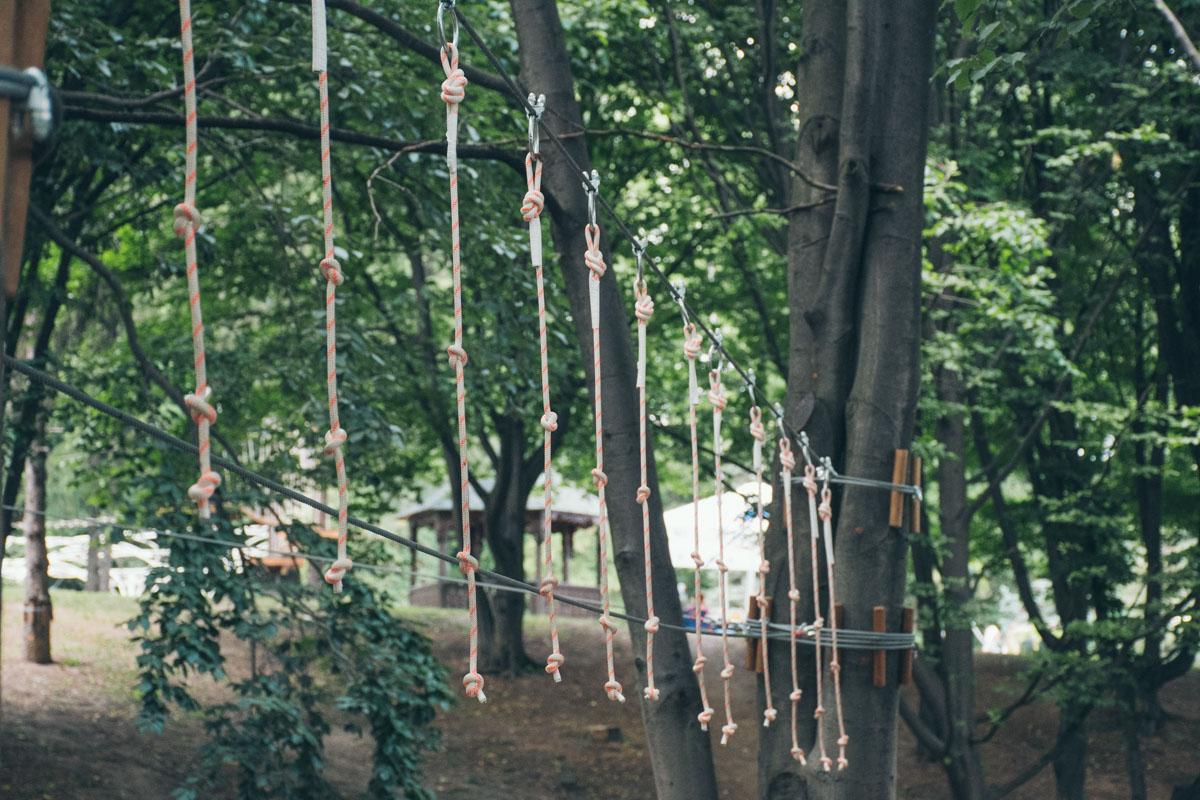Веревочный парк поможет активно развлечься