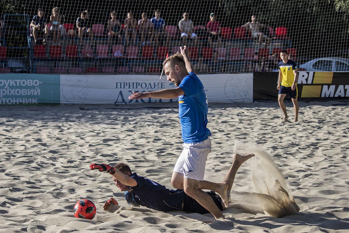Футбольно-песочные страсти