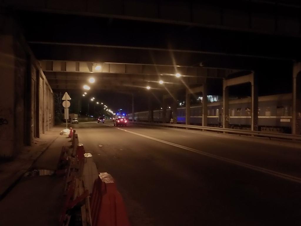 Авария произошла под мостом возле Ocean Plaza на улице Гринченко
