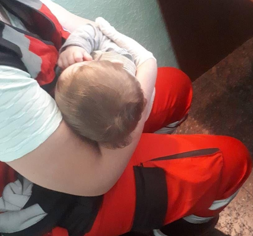 Патрульные Киева позаботились о младенце, мать которого, вероятно, находилась под действием наркотиков
