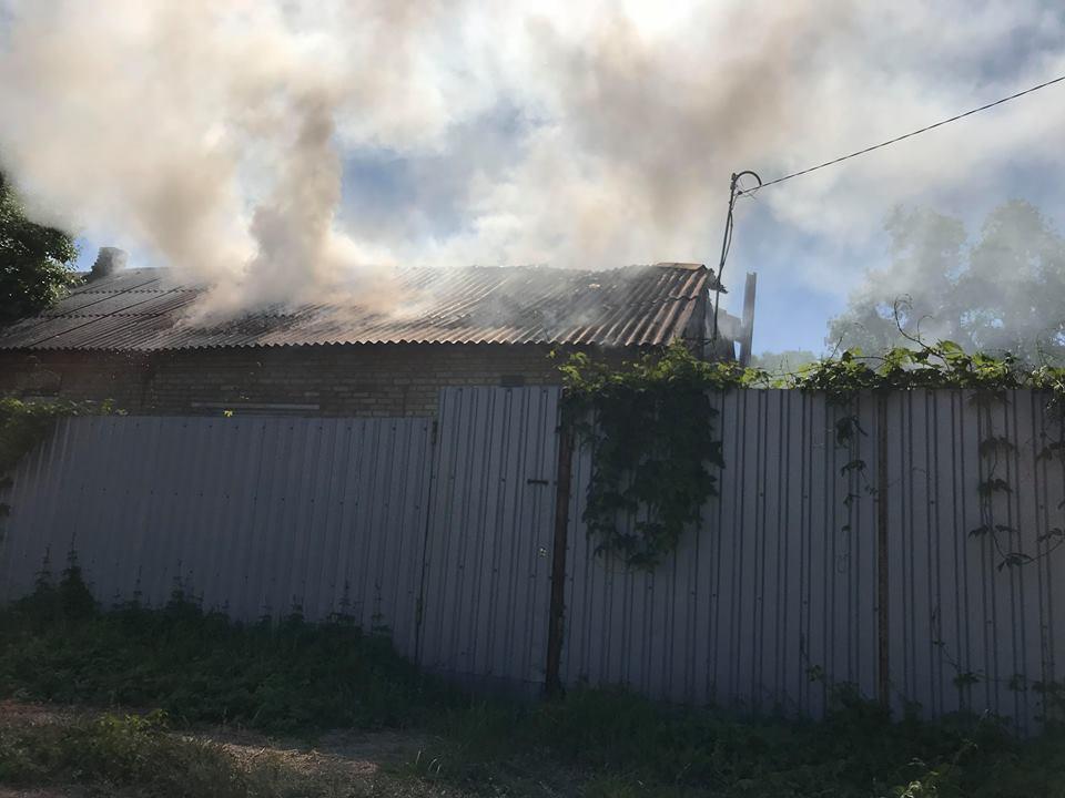 На Столичном шоссе загорелсячастныйжилой дом