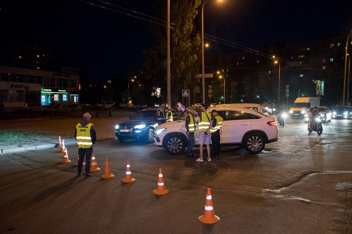 Согласно распоряжения КГГА, движение транспорта по Героев Сталинграда было временно перекрыто
