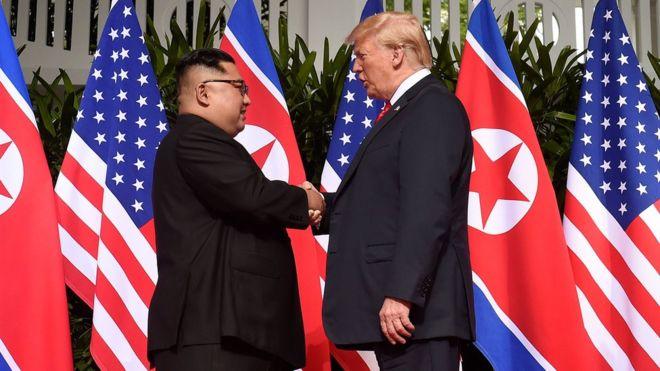 Трамп встретился с Ким Чен Ыном