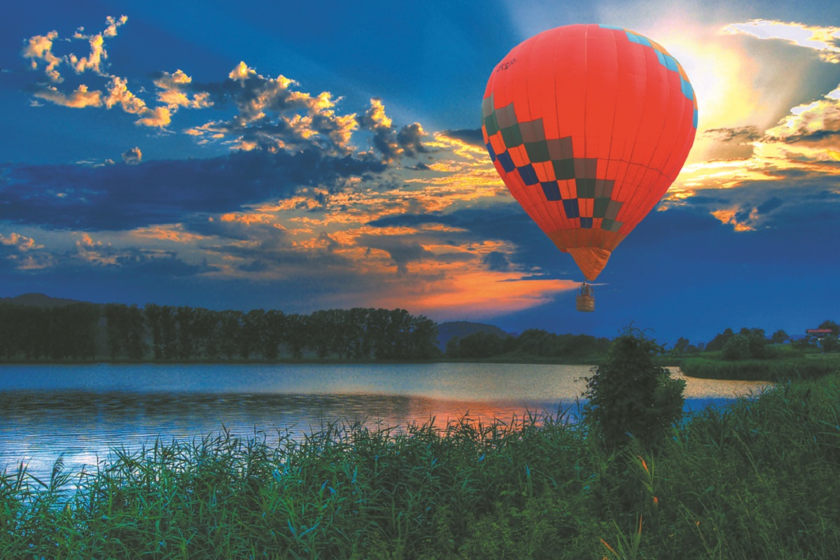 На воздушном шаре можно встретить незабываемый рассвет