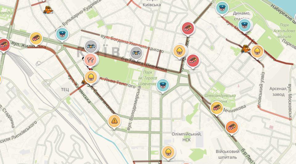 Пробки сковали центр Киева