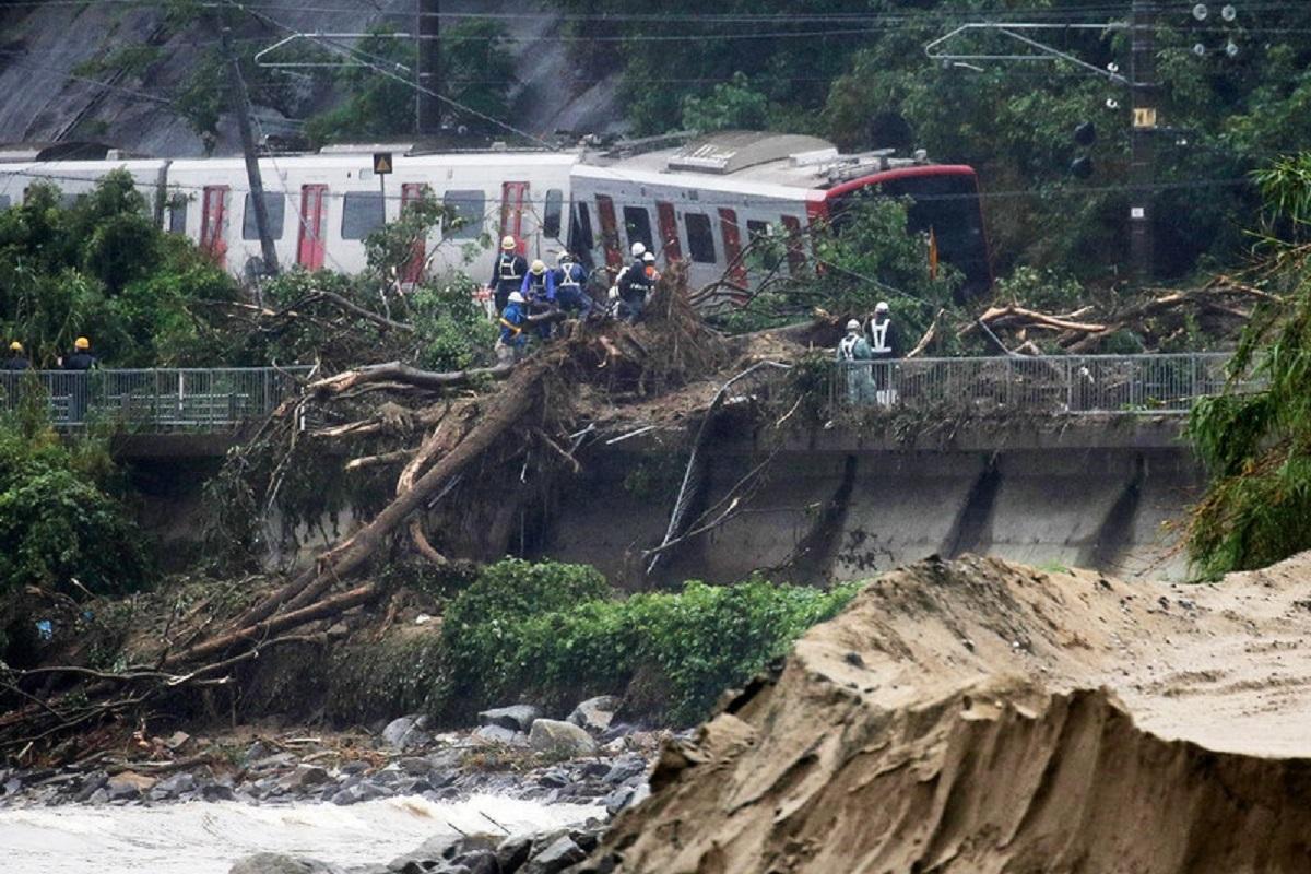 В результате сильнейших дождей в Японии погибли 46 человек