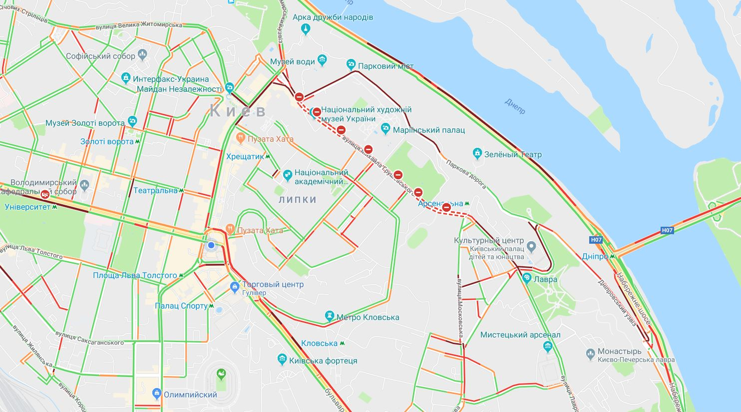 Утренний Киев парализовали пробки