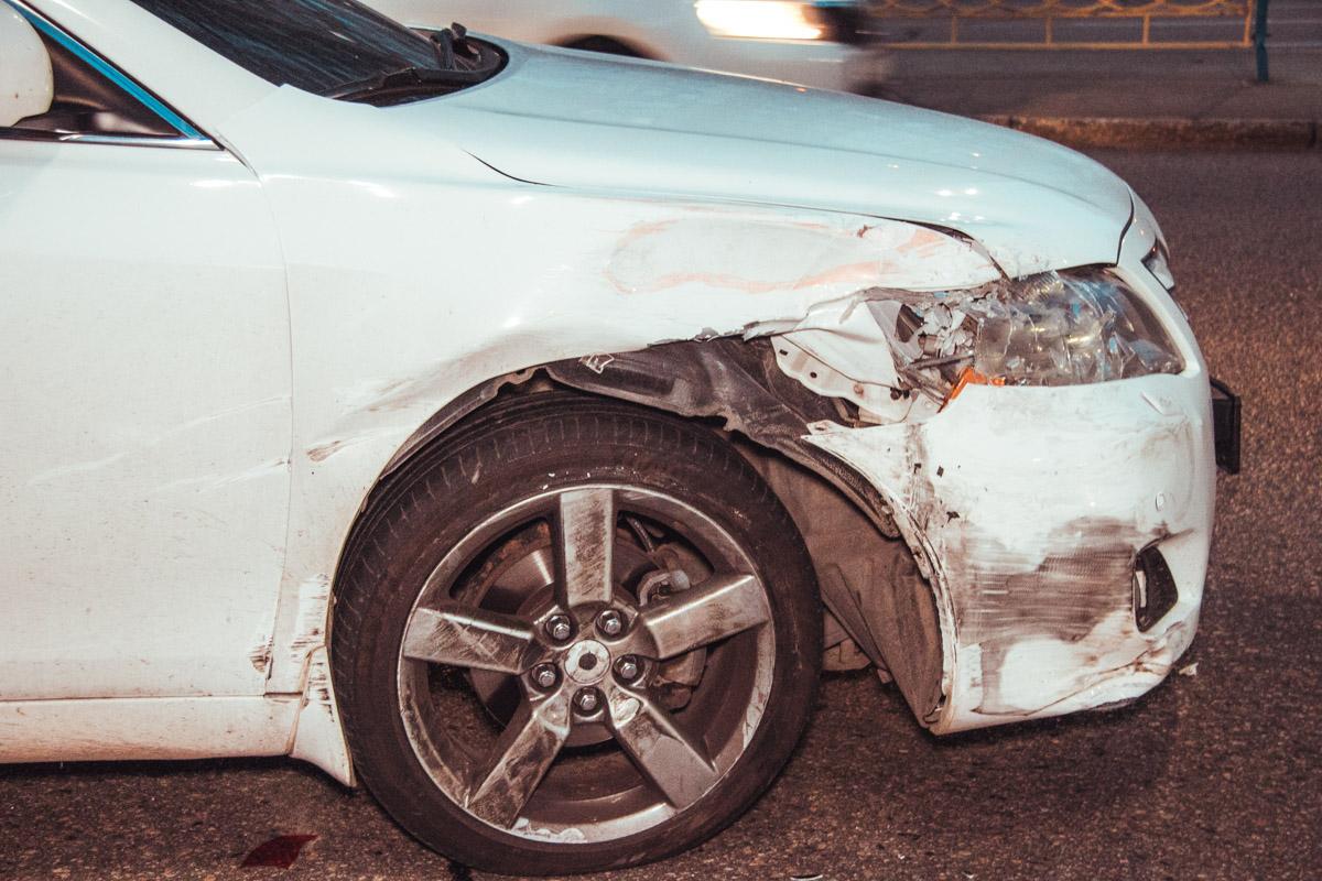 Столкнулись Toyota Camry и Peugeot 307