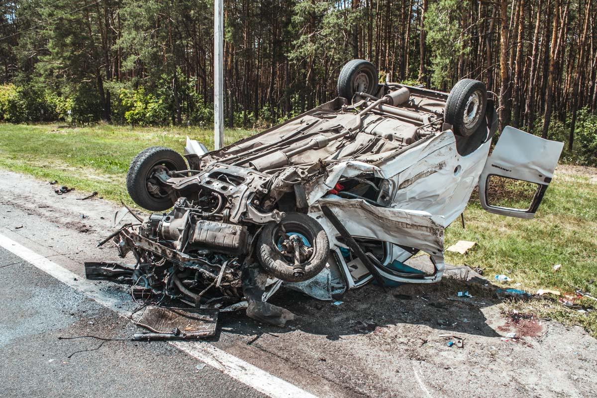 По предварительным данным, виновником является водитель Peugeot