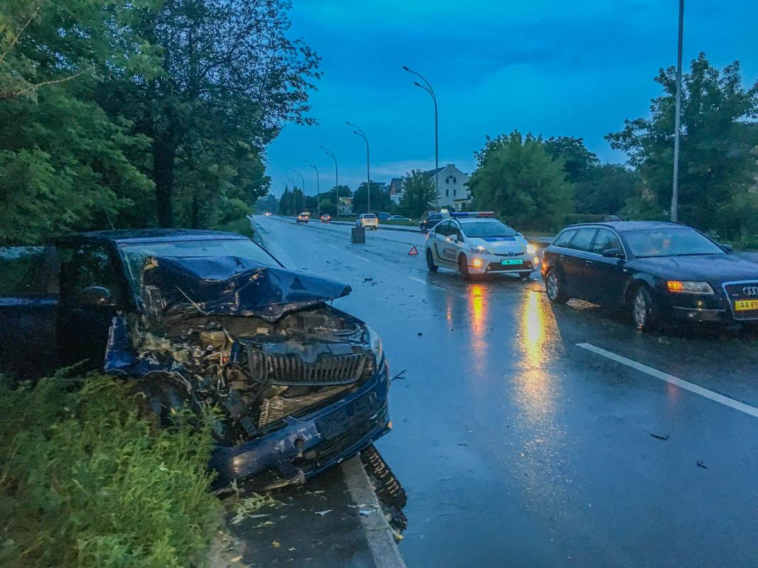 24 июля в Киеве по адресу улица Газопроводная, 8 произошло тройное ДТП
