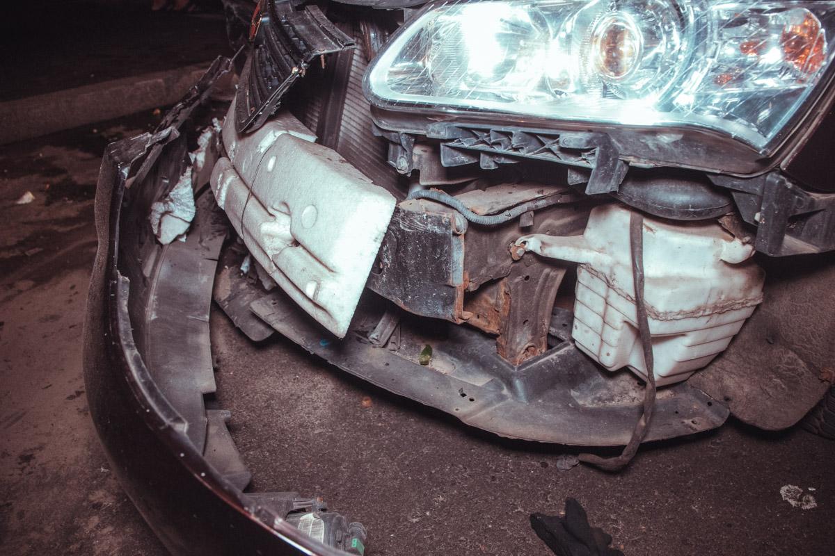 Чтобы не оформлять ДТП, виновница аварии договорилась с водителемBMW покрыть расходы на ремонт
