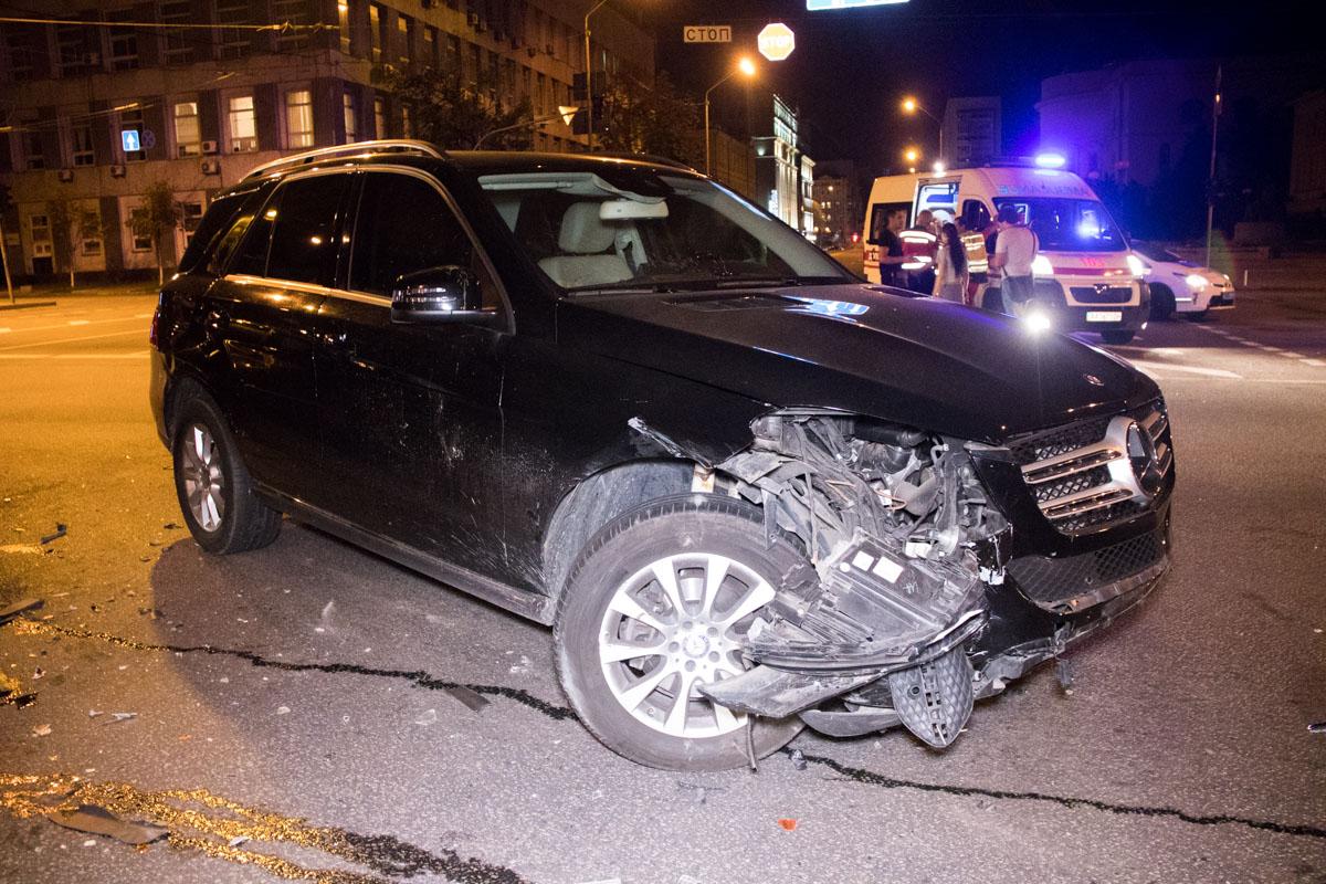 Но тест на драгере водитель Daewoo пройти отказался, в отличие от девушки наMercedes