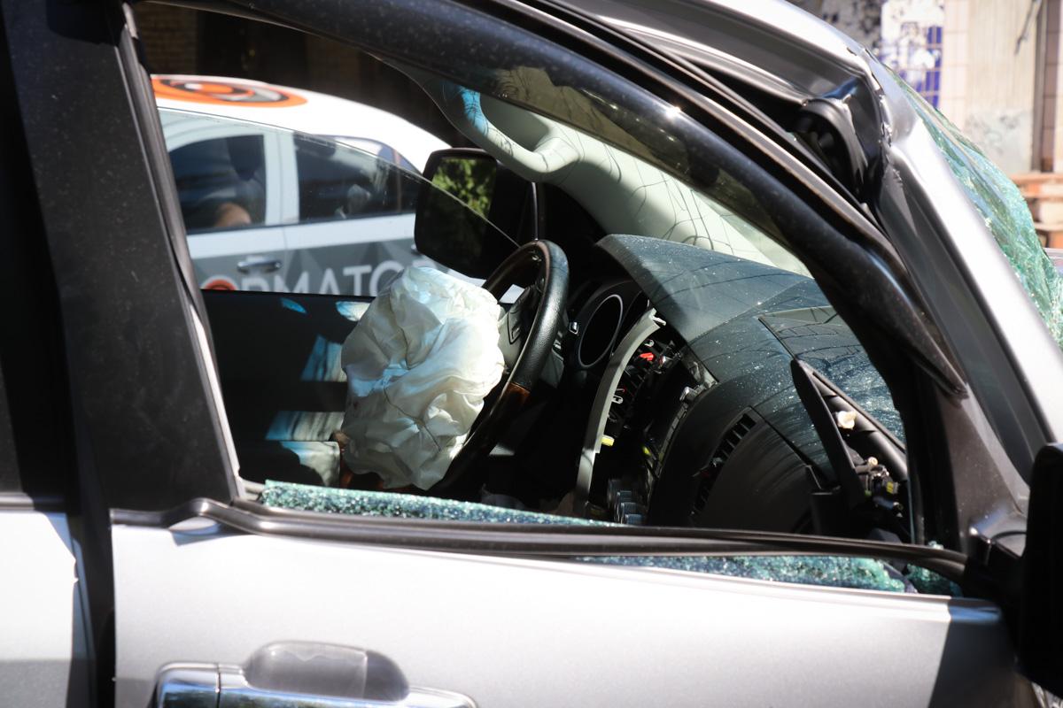 Водители остались цели, в джипе сработала подушка безопасности