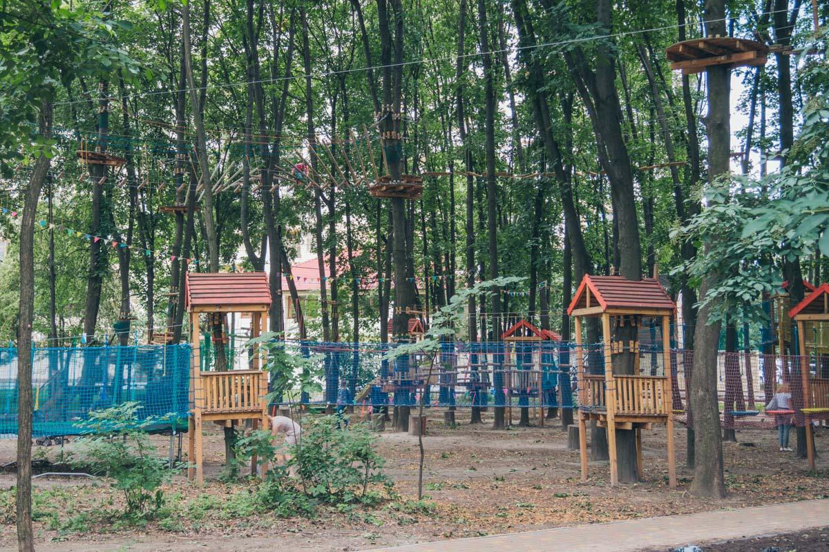 Веревочный парк - развлекаться только под присмотром родителей
