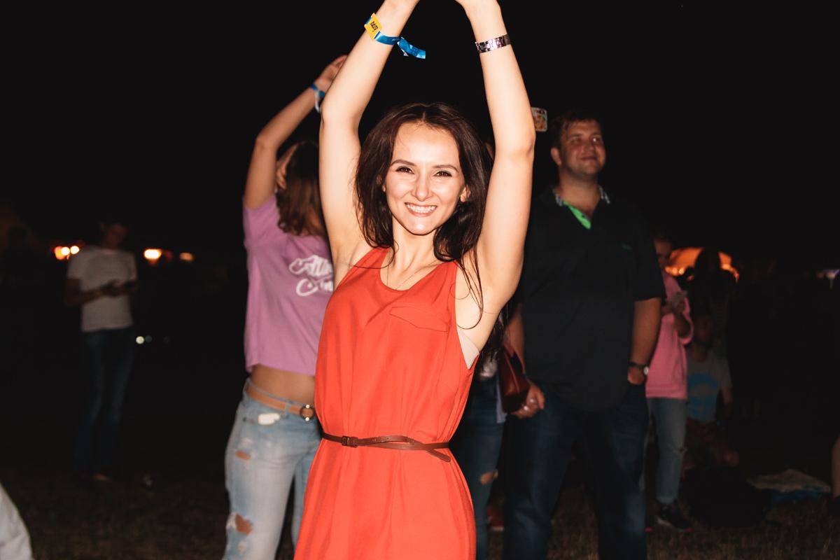 Руки выше! Этот день стоит утренней крепатуры от танцев