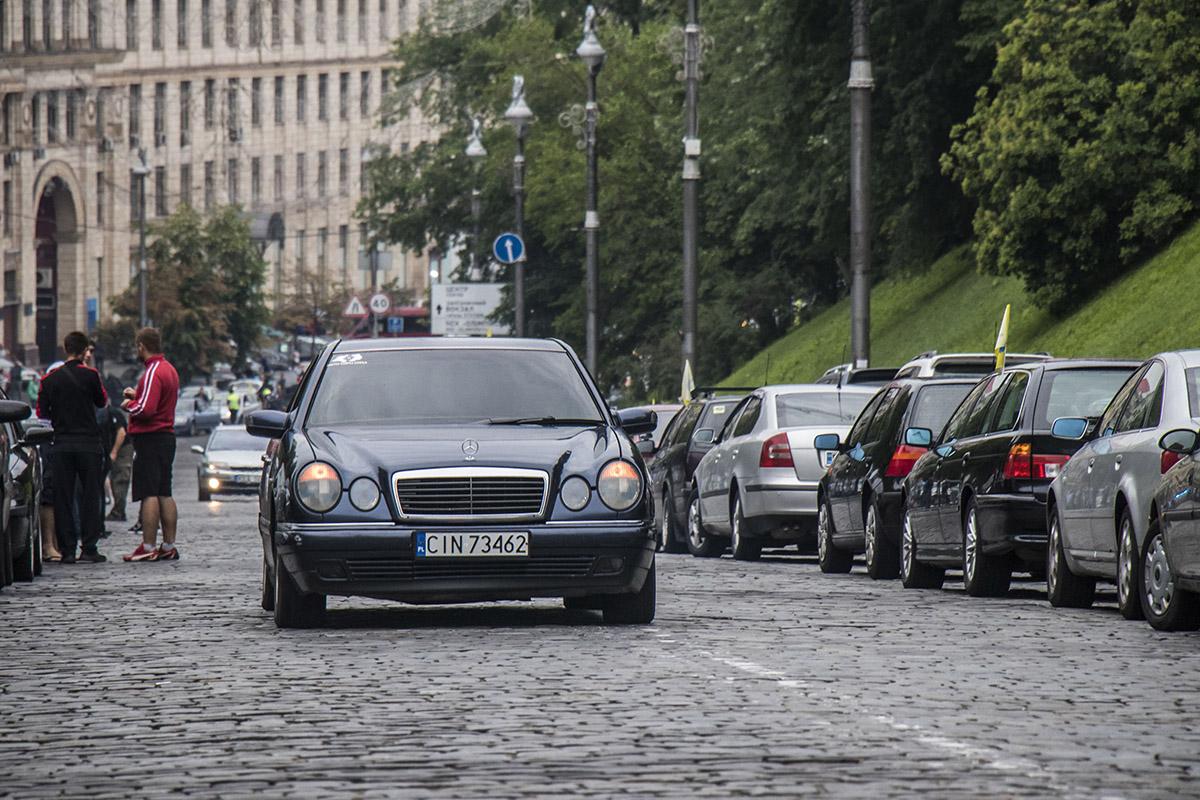 """Владельцы авто на """"евробляхах"""" приехали из разных регионов Украины"""