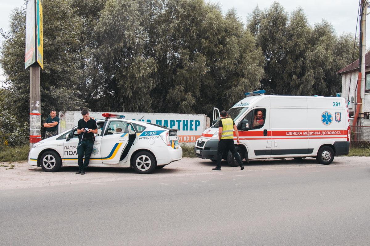 На месте работали медики, патрульная полиция и следственно-оперативная группа