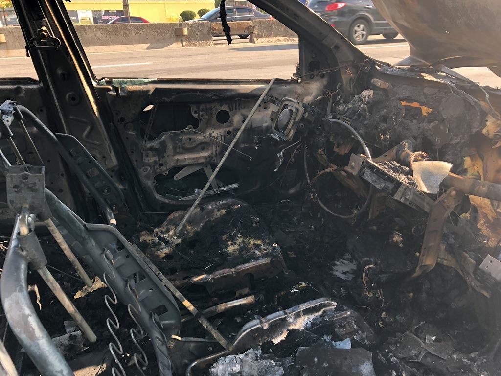 Водитель успел выскочить перед возгоранием машины