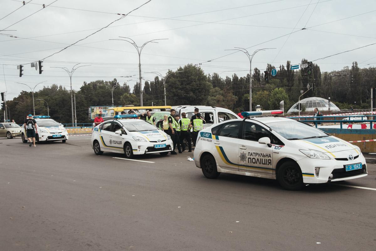 24 июля в Киеве столкнулисьNissan Evalia и Renault Kangoo