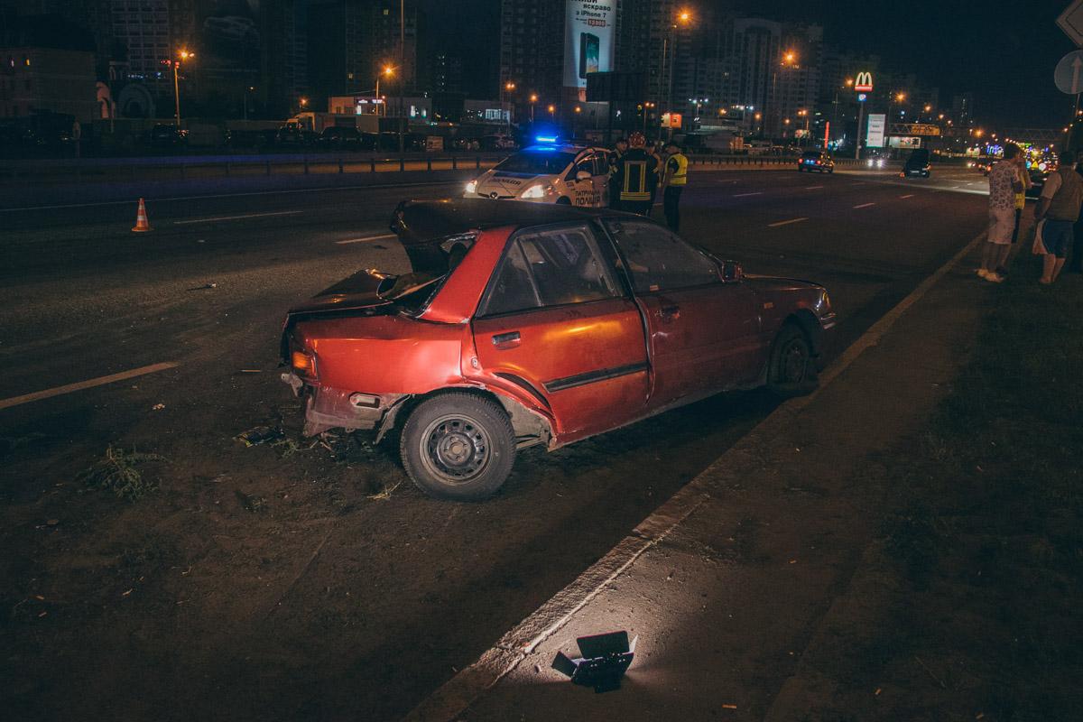 На проспекте Бажана столкнулись автомобили Mazda и Skoda Octavia