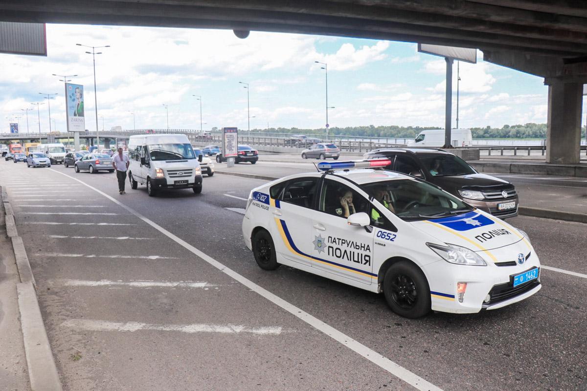 Вероятно, девушка за рулем Opel Astra сбила пожилого мужчину, переходившего дорогу в неположенном месте