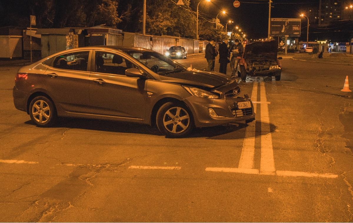 На улице Светлицкого столкнулись Opel и Hyundai