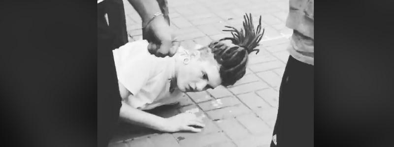 В Киеве на Арсенальной жестоко избили подростка