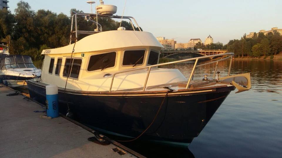 В социальной сети Facebook разместили объявление о украденном в яхт-клубе катере