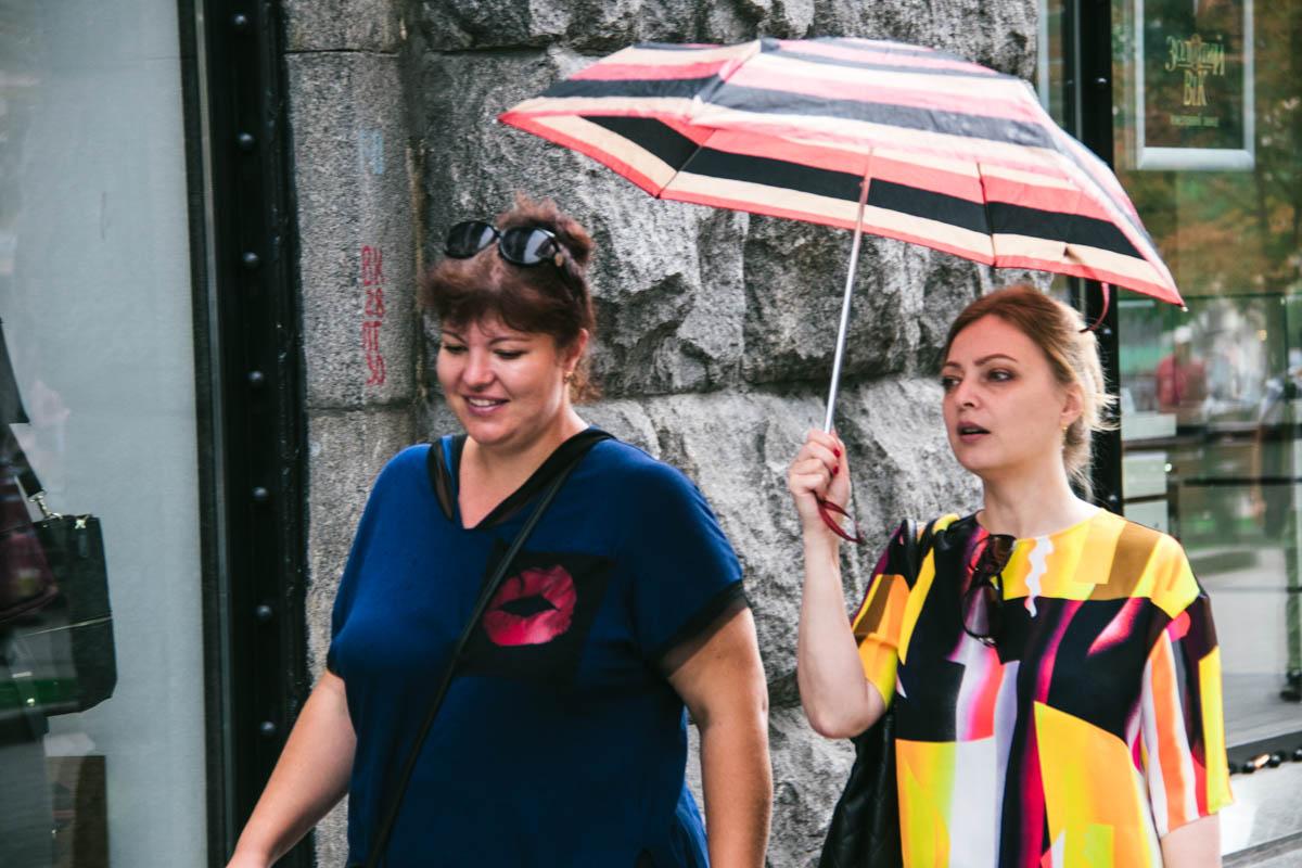 Похвастаться новым красивым зонтиком - чем вам не плюс?