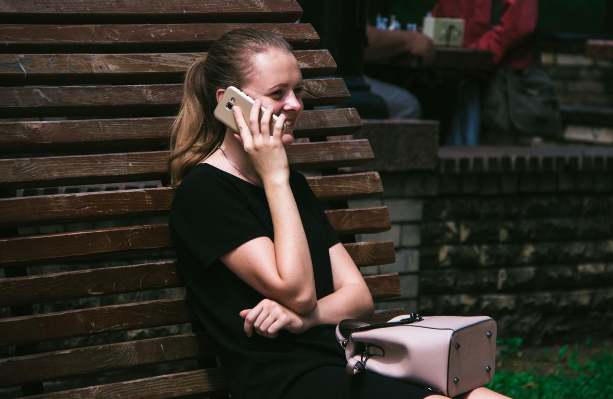 Посплетничать с подружками по телефону - это святое