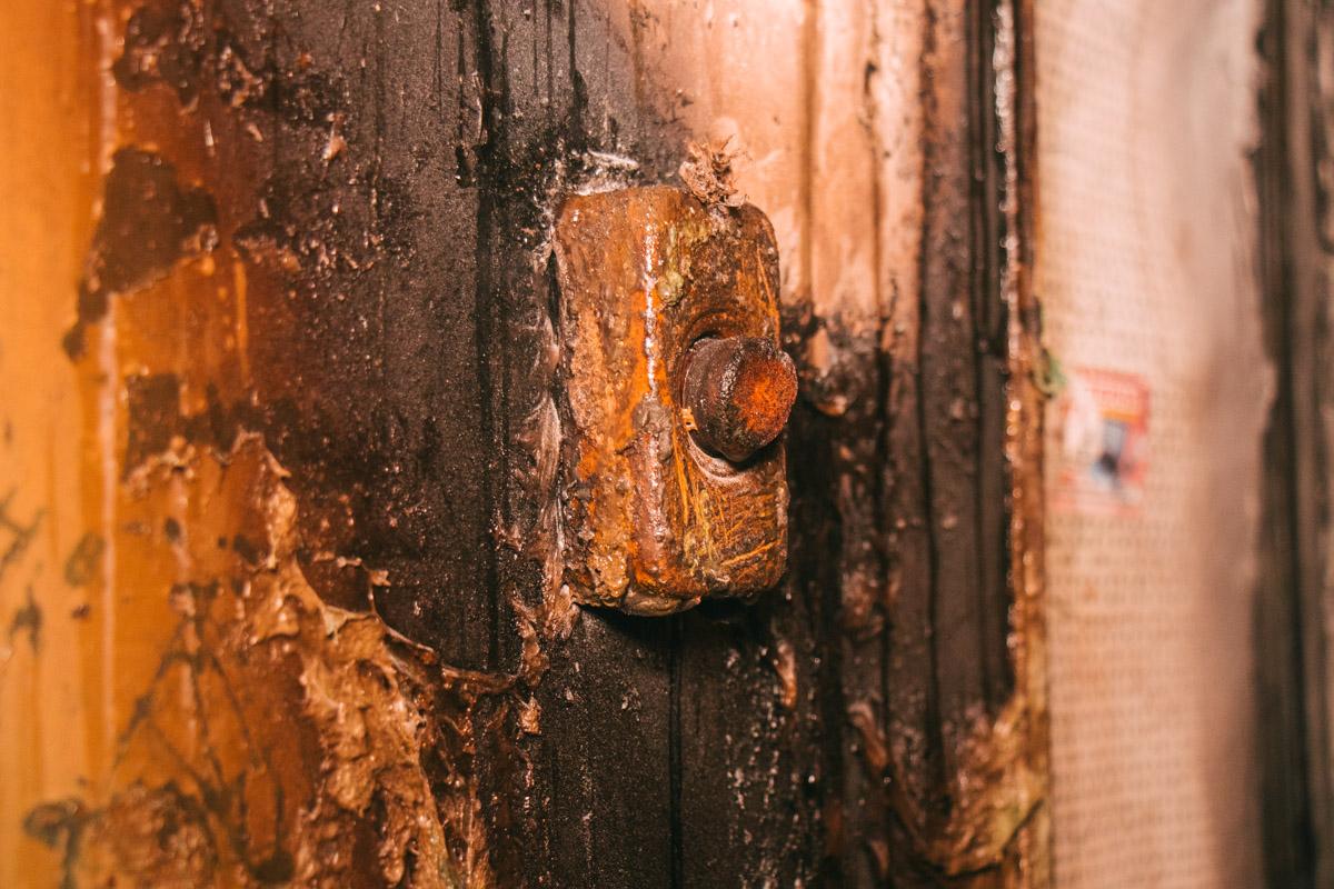 Кнопка вызова лифта