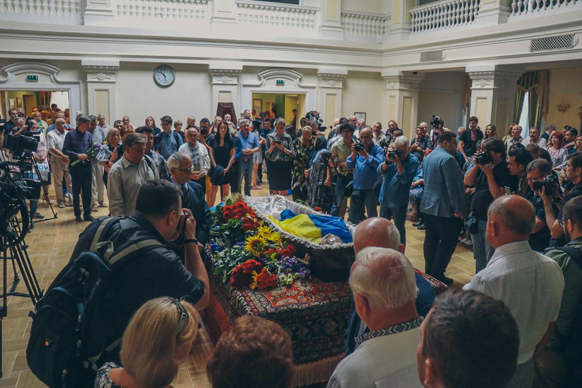 Отдать последнюю дань уважения умершему пришли ветераны УПА, ветераны АТО