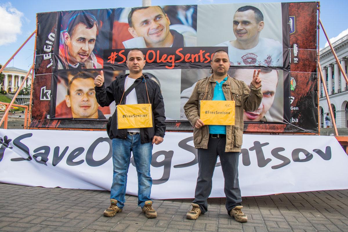Активисты направились к посольствам стран, чтобы напомнить миру о преступлениях Кремля