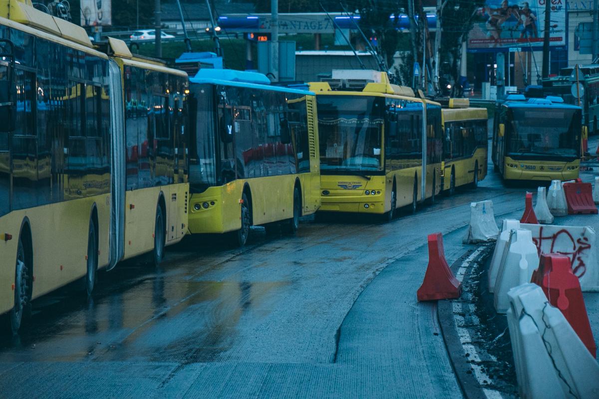 В пробке застрял и общественный транспорт