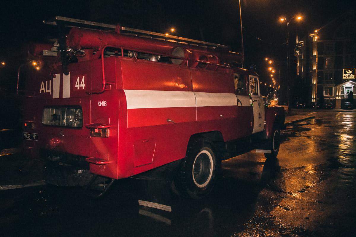 На месте происшествия работали две единицы пожарной техники