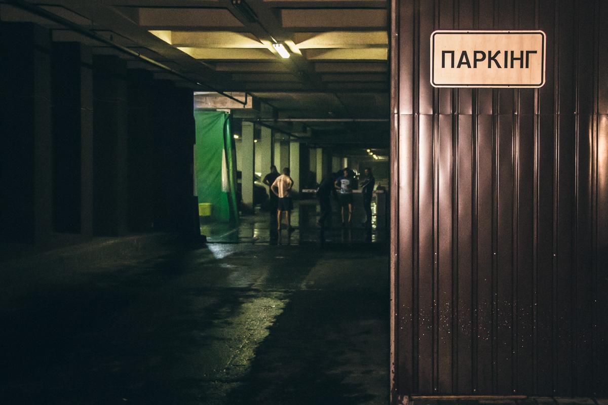 Подземный авто паркинг и мойка находятся в ЖК Венеция